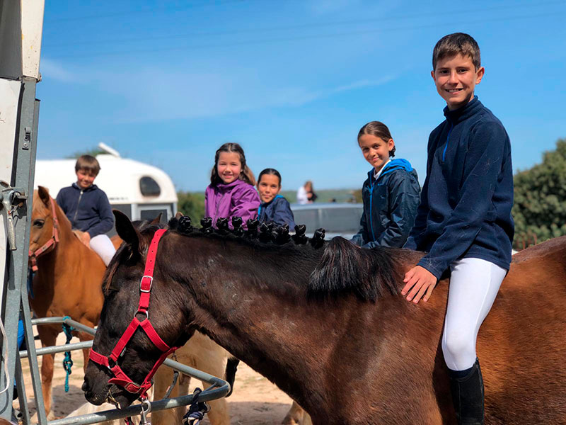 clases pony menorca