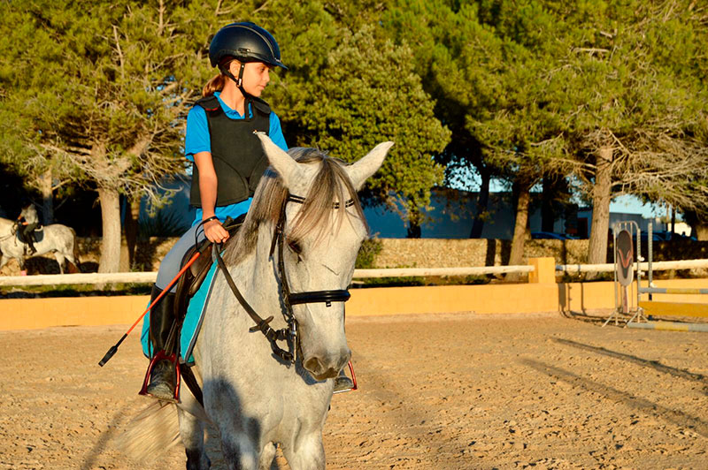 clases equitación menorca